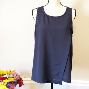 🌷RO & DE Navy colored tank with split back